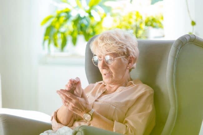 อาการชาในผู้สูงอายุ, ชามือชาเท้า กินอะไรดี